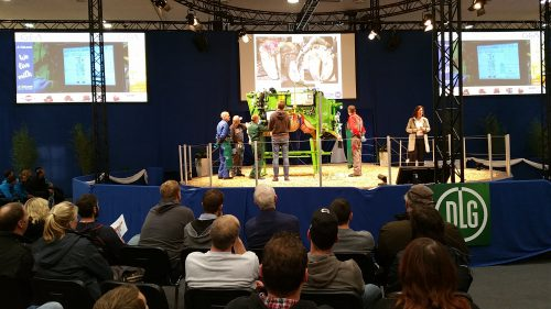 picture-eurotier-2016-demonstration-of-recording-of-claw-disorders